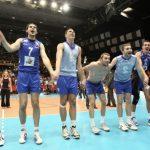 Сръбският национален отбор ликува след победата над Италия с 3:1. (Снимка: eventolive.it)