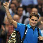 Роджър Федерер поздравява публиката след победата си над Ярко Ниеминен на тенис турнира в Базел, 2 Ноември 2011 г. в Базел, Швейцария. (Снимка: Harold Cunningham/Getty Images Europe)